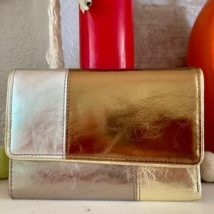 Handbags - 🆕 Metallic Leather Wallet. One of a kind item.